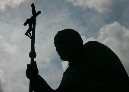 Jean-Paul II : un pape et son ombre